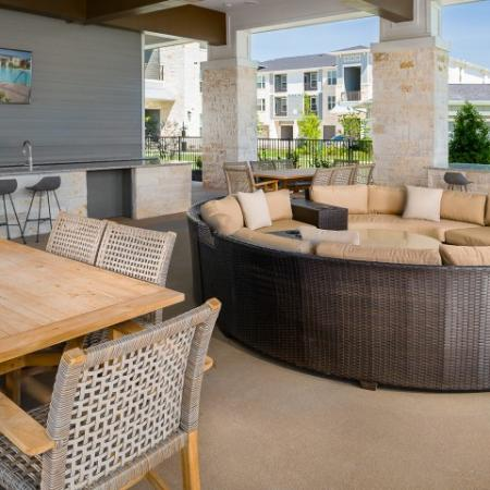 Resident BBQ | Sapphire Bay Apartments | Apartments In Baytown