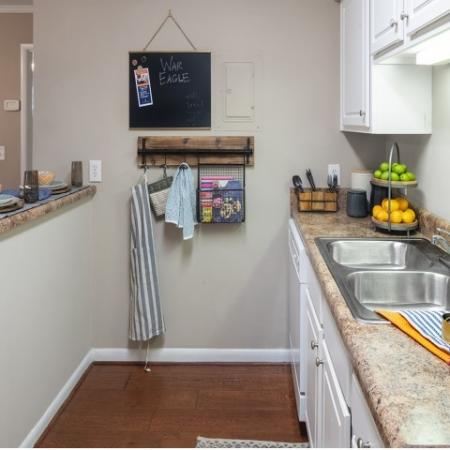 Renovated Kitchens   Eagles West   Student Apartments in Auburn AL