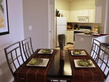 Spacious Dining Room | Apartments For Rent In Alexandria VA | Meridian at Carlyle