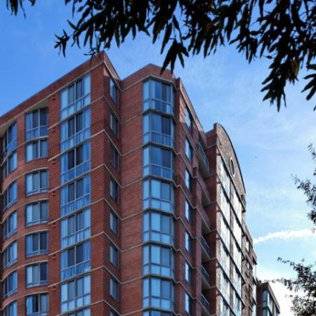 Apartments in Arlington, VA | Meridian at Courthouse Commons