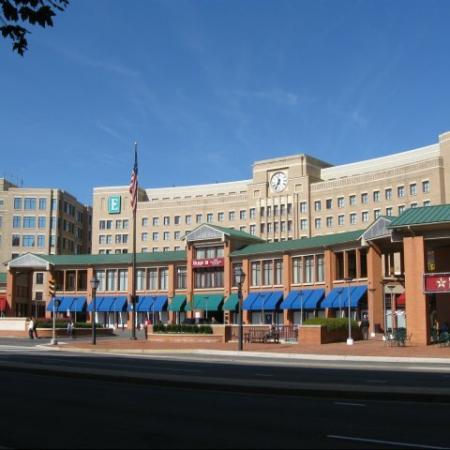 Luxury Apartments Alexandria VA | Carlyle Place