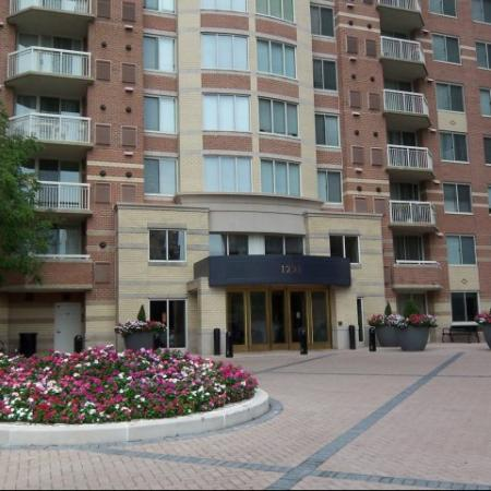 Studio Apartments Arlington VA | Meridian at Pentagon City