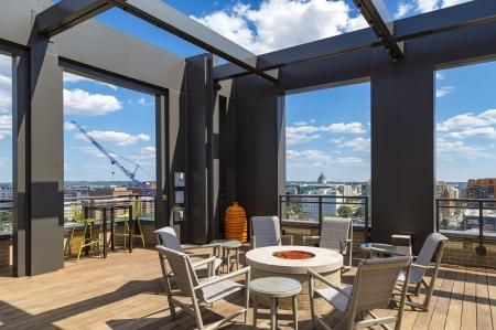 Community Sun Deck | Apartments in Washington, DC | Meridian at Mt. Vernon Triangle