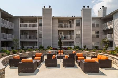 Community Sun Deck | Apartments In Wayne NJ | Mountain View Crossing