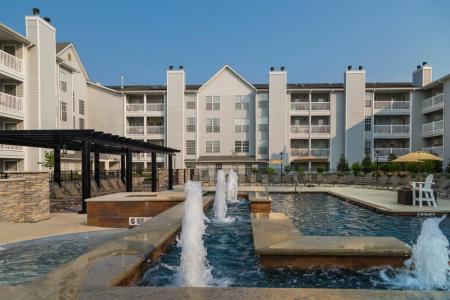 Resort Style Pool | Apartments In Wayne NJ | Mountain View Crossing