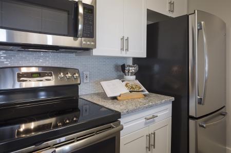 Elegant Kitchen | Apartments For Rent In North Bergen NJ | Half Moon Harbour Apartments