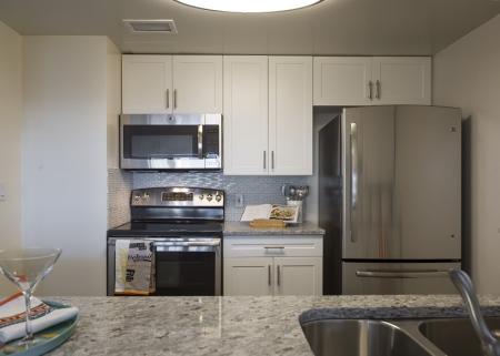 Spacious Kitchen | Apartments In North Bergen NJ | Half Moon Harbour Apartments