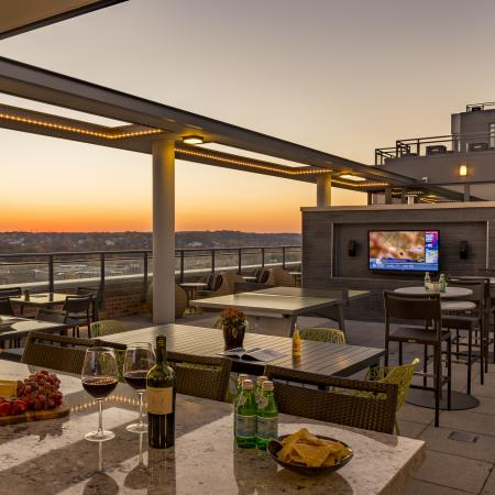 Resident Sun Deck | Arlington VA Apartment For Rent | Parc Meridian at Eisenhower Station