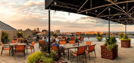 Rooftop Sundeck | Arlington VA Apartments For Rent | Meridian at Courthouse Commons