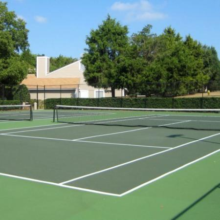 Community Tennis Court | Apartments in Charlotte, NC | Berkshire Place