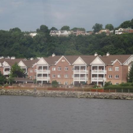 Apartments in Edgewater, NJ | Mariner's Landing Apartments