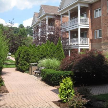 Apartment Homes in Edgewater, NJ | Mariner's Landing Apartments
