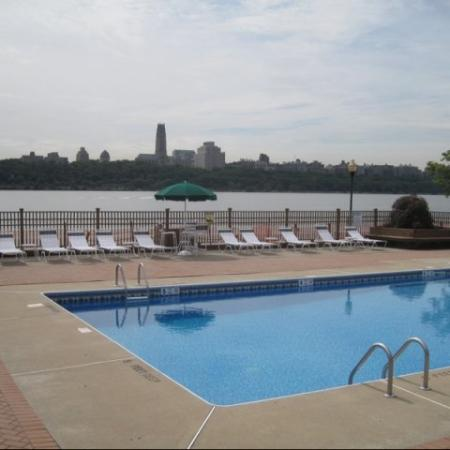 Pool | Apartments for rent in Edgewater, NJ | Mariner's Landing Apartments