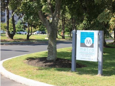 Helpful Office Staff | Quincy MA Apartments | Metro Marina Bay