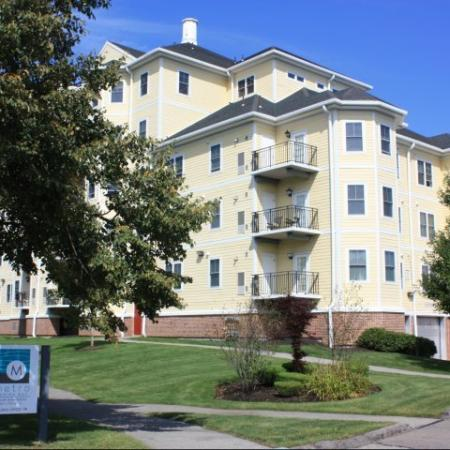 Quincy MA Apartment Homes | Metro Marina Bay
