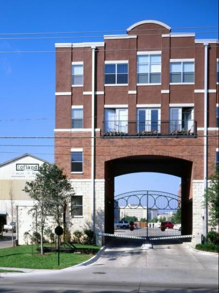 Apartments Dallas, TX   5225 Maple Avenue Apartments