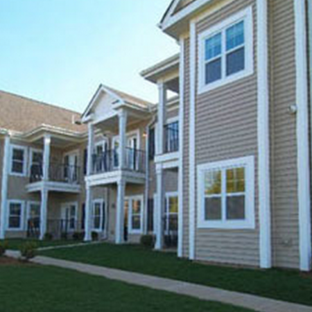 Exterior View of Apartments in Meriden, CT | Alvista Willowbrook