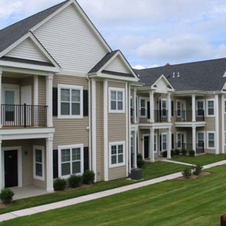 Exterior View of Apartment Homes for Rent in Meriden, CT | Alvista Willow Brook