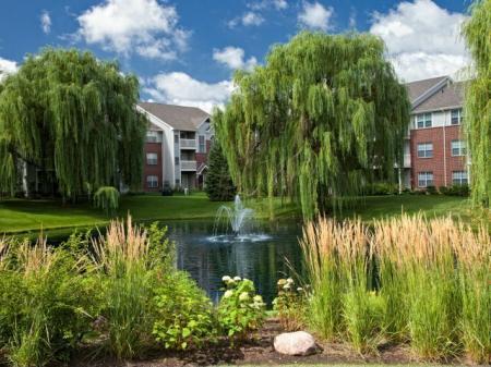 Apartment Homes in Wheaton, IL | Crossings at Danada