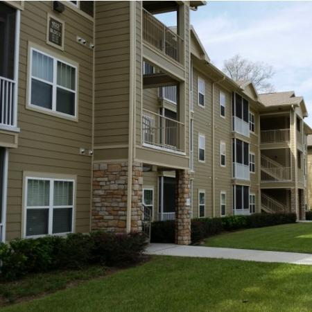 Exterior of our Big Oaks Apartments in Lakeland FL