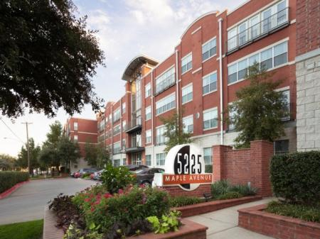 Apartments Homes for rent in Dallas, TX | 5225 Maple Avenue Apartments