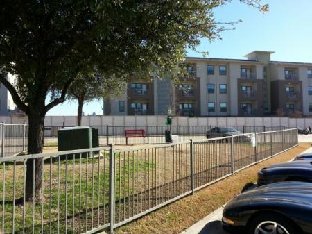 Community Bark Park   Apartment in Dallas, TX   5225 Maple Avenue Apartments