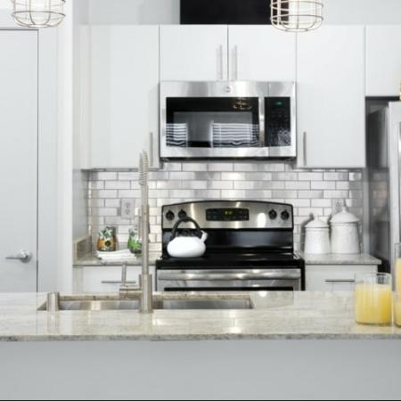 Luxurious Kitchen | Apartment Homes in Dallas, TX | 5225 Maple Avenue Apartments
