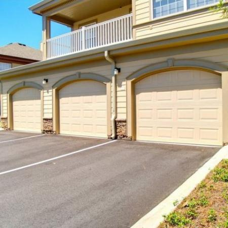Garages Longleaf Pines Apartments in Mobile