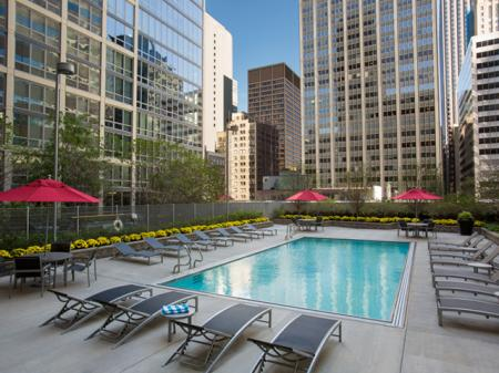 Year Round Swimming Pool | Apartment in Chicago, IL | 215 West Apartments