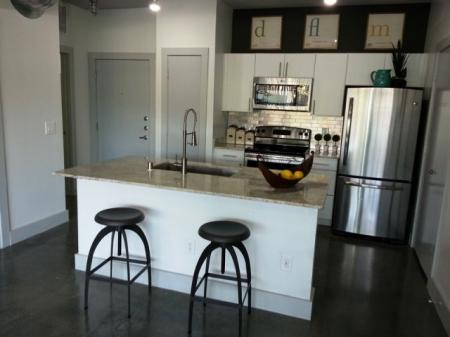Modern Kitchen | Dallas TX Apartment For Rent | 5225 Maple Avenue Apartments