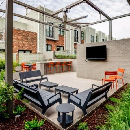 Community Courtyard | Nashville Apartment | 2100 Acklen Flats