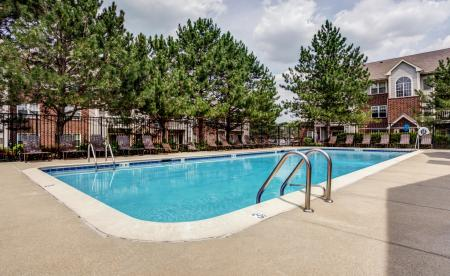 Sparkling Pool | Apartments for rent in Wheaton, IL | Crossings at Danada