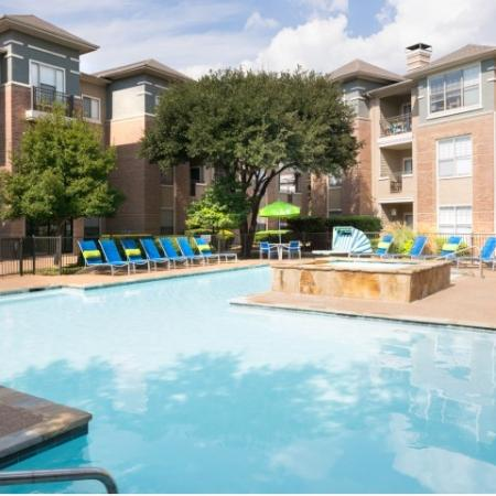 Swimming Pool | Apartment Homes in Dallas, TX | Metropolitan at Cityplace