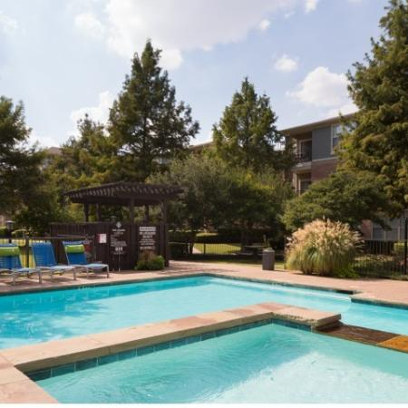Outdoor Swimming Pool | Apartment Homes in Dallas, TX | Metropolitan at Cityplace