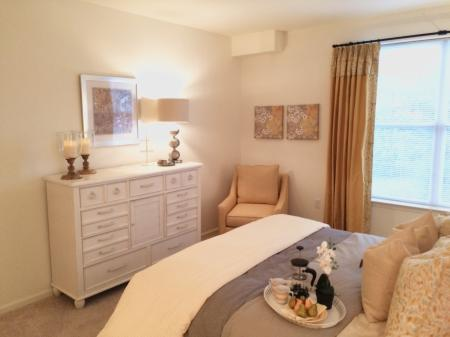Luxurious Bedroom | Apartments In Bound Brook NJ | Queens Gate