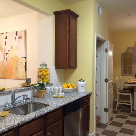 Luxurious Kitchen | Bound Brook Apartments NJ | Queens Gate