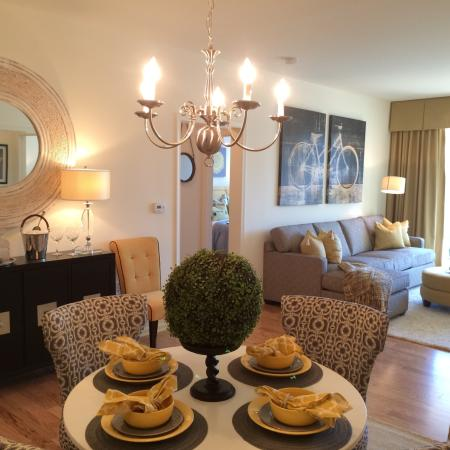 Luxurious Living Area | Apartments For Rent In Edison NJ | Queens Gate