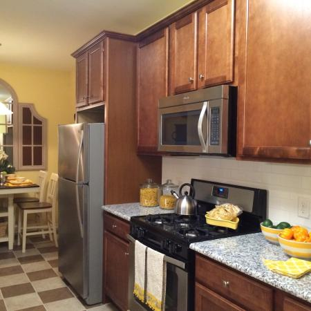 Spacious Kitchen | Bound Brook NJ Apartments | Queens Gate