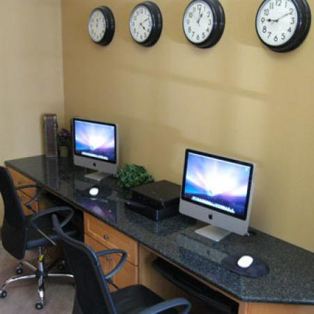 Community Business Center | Apartments in Durham, NC | Lodge at Southpoint Apartments