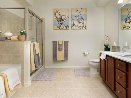 Luxurious Bathroom | Bound Brook NJ Apartments | Queens Gate