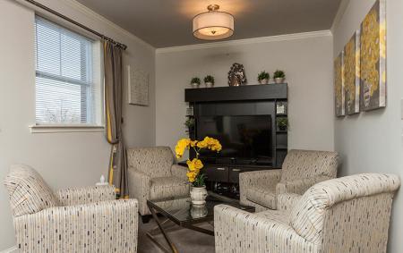 Spacious Living Area | Somerville Apartments NJ | Queens Gate