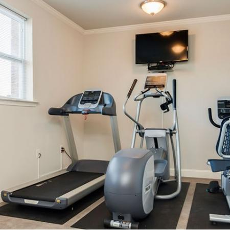 State-of-the-Art Fitness Center | Bound Brook Apartments NJ | Queens Gate