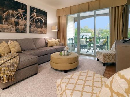 Elegant Living Room | Bound Brook NJ Apartments | Queens Gate