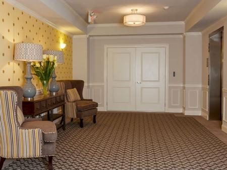 Friendly Office Staff | Edison NJ Apartments | Queens Gate