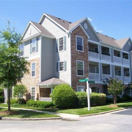 Durham NC Apartments For Rent | Lodge at Southpoint Apartments