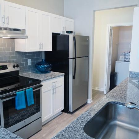 State-of-the-Art Kitchen | Durham NC Apartment Homes | Lodge at Southpoint Apartments