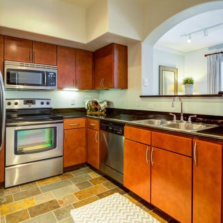 Modern Kitchen | Apartment In Tampa FL | The Lodge at Lakecrest