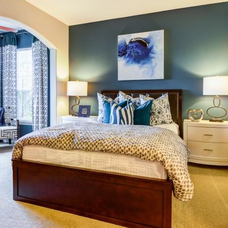Luxurious Bedroom | Tampa Apt | The Lodge at Lakecrest