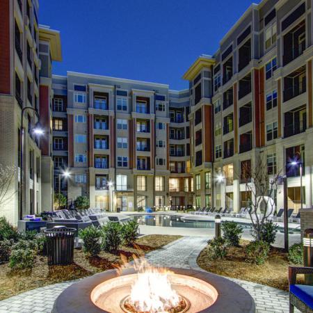 Resident Fire Pit | Charlotte NC Apartments | LaVie SouthPark