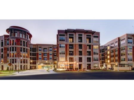 Charlotte NC Apartments | LaVie SouthPark 1